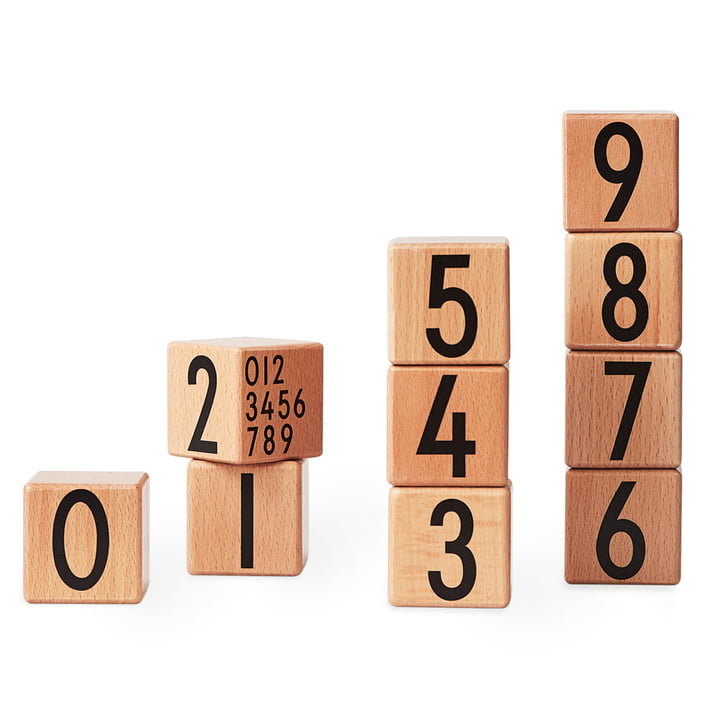 Design-Letters-AJ-Wooden-Number-Cubes-10er-Set-natur