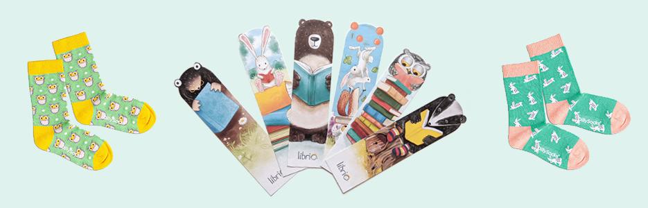 Lesezeichen und Kindersocken mit Waldtieren